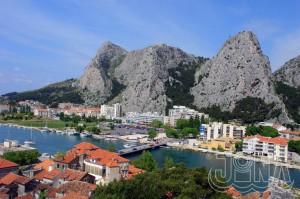 CKJiNA-Chorvatsko-Omis-hotel-Brzet-Nemira-apartman-Cetina-232
